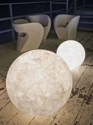 ex moon luna outdoor floor table_ines_gineico lighting